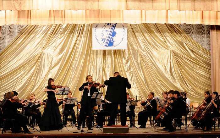 sovmestnyy_koncert_orkestra_s_miroslavoy_kotorovich_i_yuriem_tkanovym_1