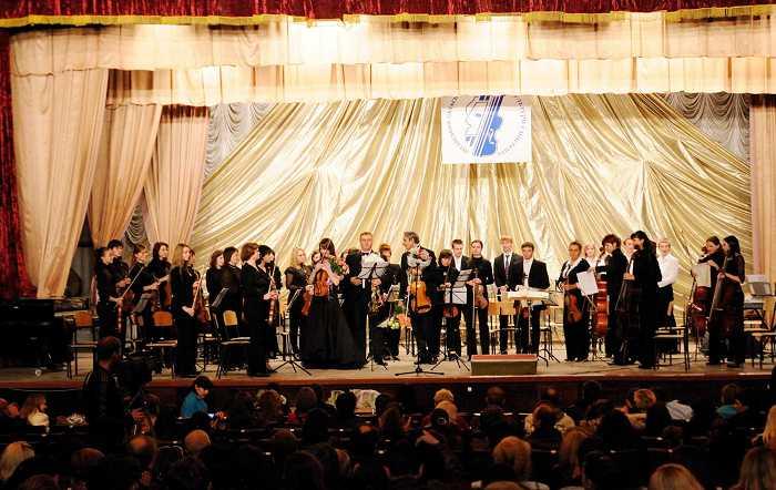 sovmestnyy_koncert_orkestra_s_miroslavoy_kotorovich_i_yuriem_tkanovym_3