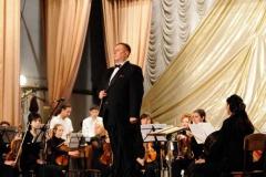 simfonicheskiy_orkestr_na_scene_kolledzha_akademii_7