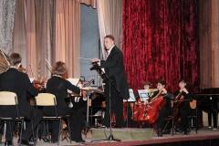 simfonicheskiy_orkestr_na_scene_kolledzha_akademii_9