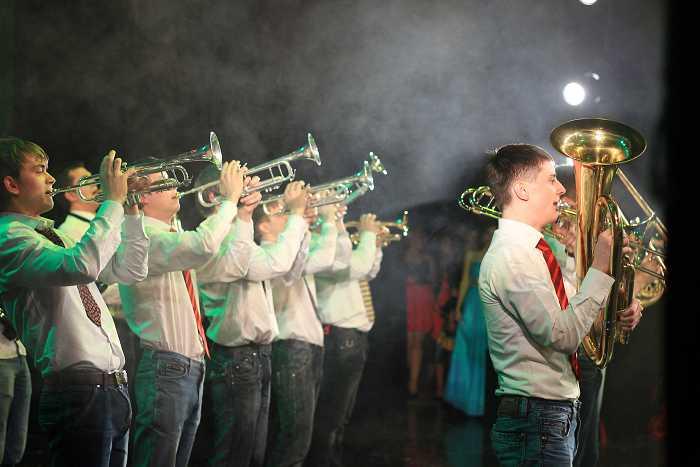 duhovoy_orkestr_v_programme_otchyotnogo_koncerta_akademii_v_laordt_im._p._luspekaeva_2