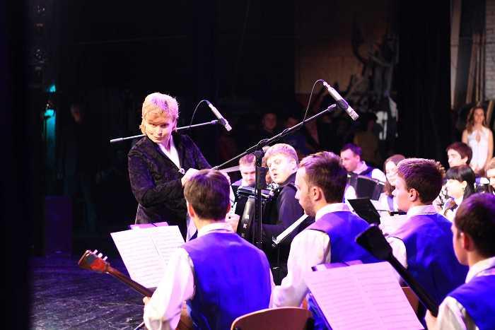 orkestr_narodnyh_instrumentov_v_koncerte_posvyashchennom_11-letiyu_akademii