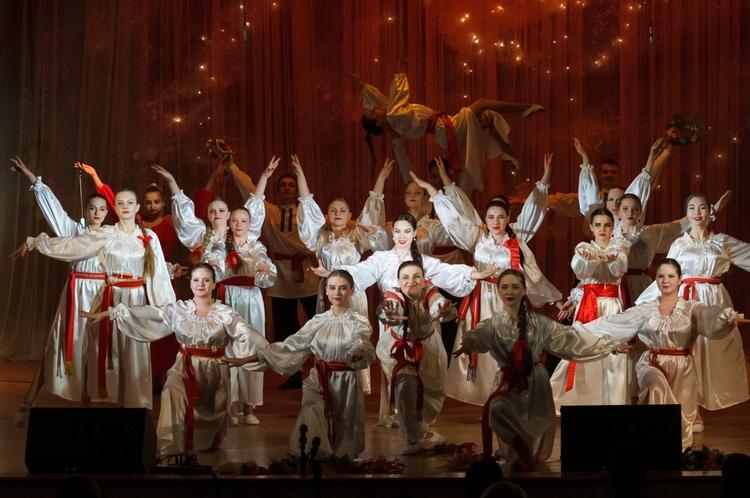 """Вечер народной музыки на сцене """"Красной площади, 7"""""""