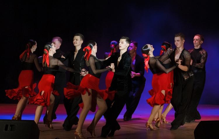 На сцене Star dance